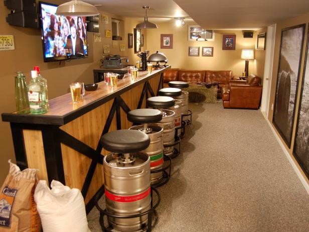 dmcv610_beer-bar-keg-stools_s4x3-jpg-rend-hgtvcom-616-462