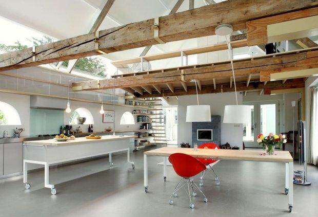 Open plan kitchen & dining Barn Conversion in Geldermalsen, The Netherlands
